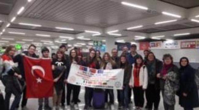 Ali Çağlar Anadolu Lisesi Öğretmen Ve Öğrencileri İspanya'da