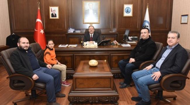 Rektör Solak Tatarlı Cumhuriyet İlkokulu Müdürünü Makamında Kabul Etti
