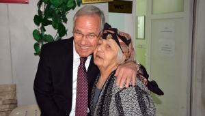 """Başkan Acar'dan """"Yaşlılara Saygı"""" Ziyareti"""