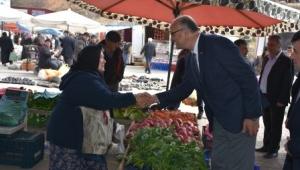 MHP Sandıklı Adayı Gürel'e Sandıklı Pazarında yoğun ilgi