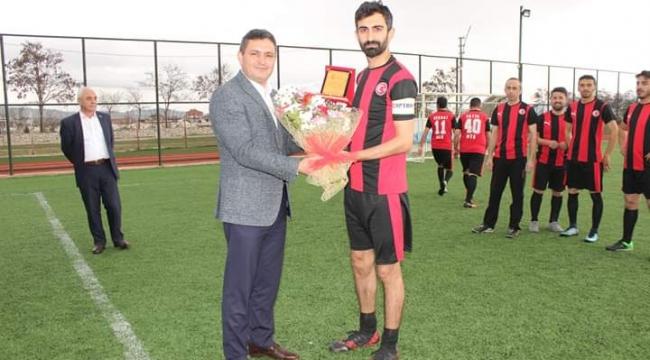 Çobanlar Kaymakamlığı Halı Saha Futbol Turnuvası Başladı