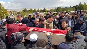 Diyarbakır'da intihar eden asker son yolculuğuna uğurlandı