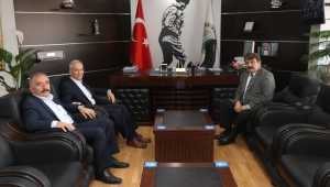 Saffet Acar'dan Belediye Başkanı Nihat Sarı'ya Ziyaret