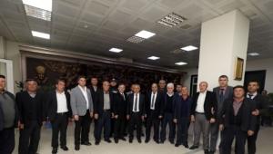 Vatandaşlardan Başkan Zeybek'e Tebrik Ziyareti
