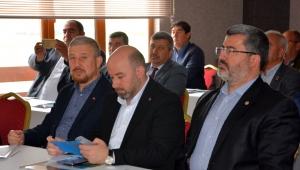 Ak Parti İl başkanı Sezen : Vatandaşlarımızı mevzuat diyerek kapıdan çevirmeyin
