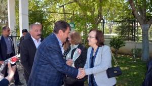 Başkan Sarı'dan Anneler Gününde Anlamlı Ziyaretler