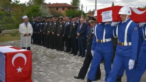 Diyarbakır'da hayatını kaybeden Afyonlu uzman çavuş gözyaşlarıyla uğurlandı