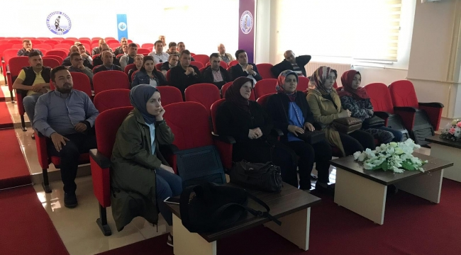 Sandıklı Myo'da Turizm Ve İletişim Semineri Düzenlendi
