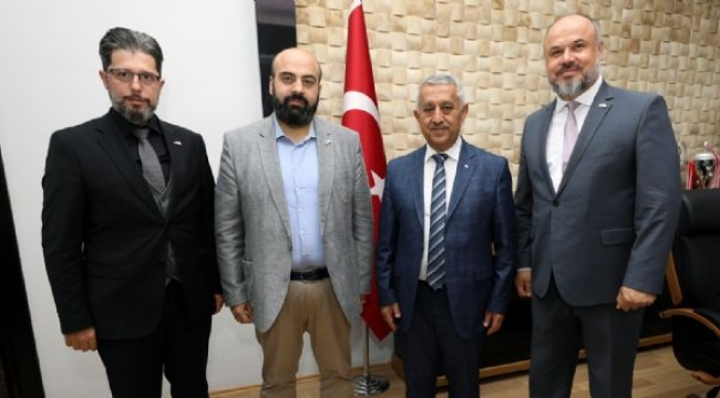 Yeşilay'dan Başkan Zeybek'e Ziyaret