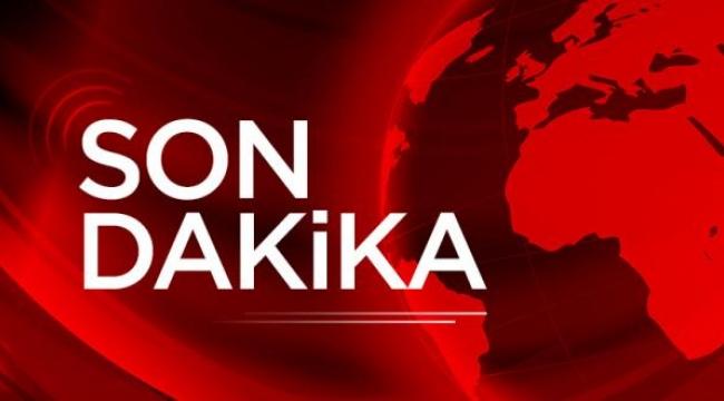Son Dakika….Afyonkarahisar'da meydana gelen kazada lüks araç direğe çarparak durabildi