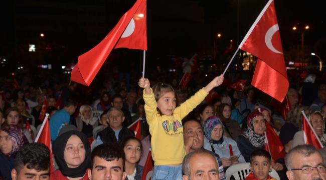 15 Temmuz Demokrasi ve Birlik Günü Etkinlikleri Kent Meydanı'nda gerçekleşti