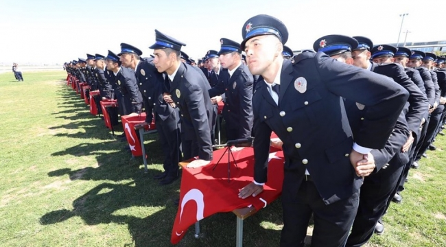 Afyonkarahisar'dan 424 polis törenle mezun oldu