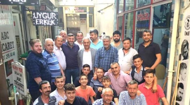 Başkan Zeybek Berberler Çarşısını Ziyaret Etti