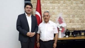 Çetinkaya'dan Başkan Zeybek'e Ziyaret
