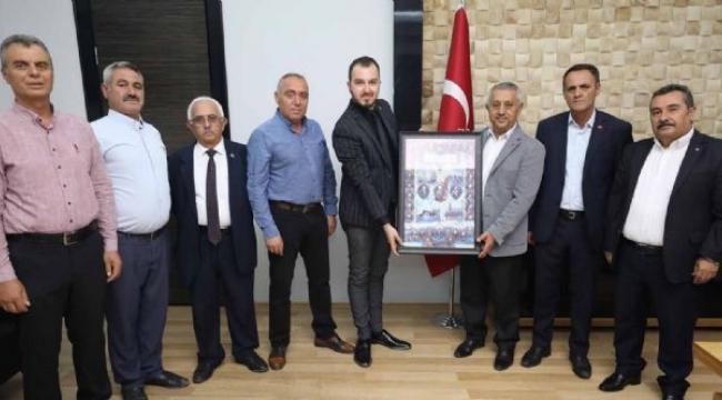 MHP Merkez İlçe Teşkilatından Başkan Zeybek´e Ziyaret