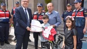 Vali Tutulmaz Projede Duyarlı Olan Çocukların Ödül Törenine Katıldı