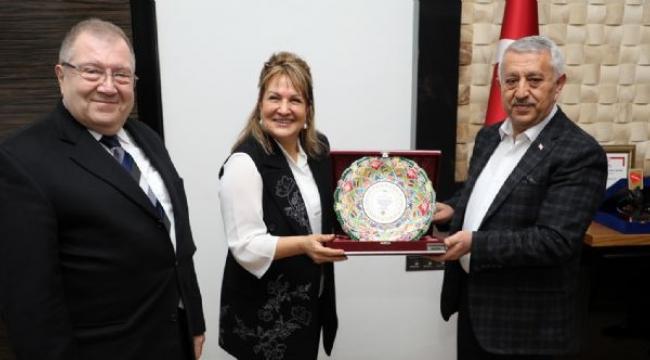 Türk Yemekleri Uzmanı Sahrap Soysal'dan Ziyaret