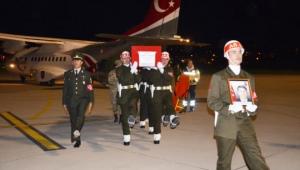Şehidimiz askeri uçakla Afyonkarahisar'a getirildi