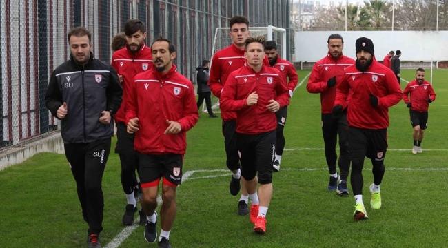 Uşaklar Afjet Afyonspor maçına 30 bin taraftar toplayarak destan yazacakmış