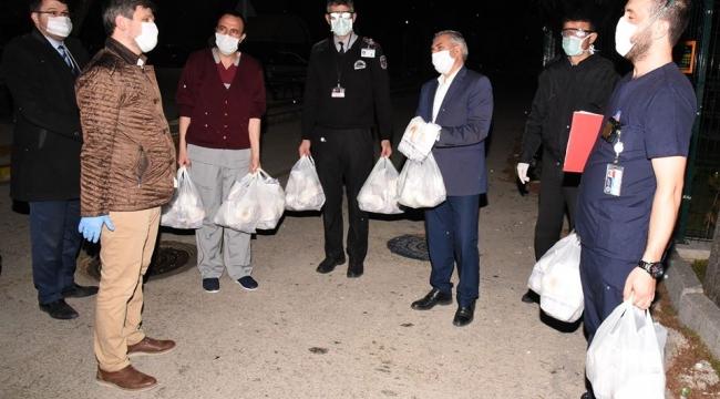 Afyonkarahisar Belediyesi'nden sağlık çalışanlarına C Vitamini