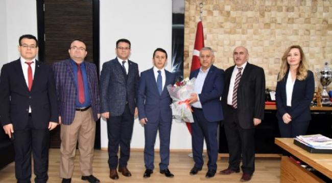 Başkan Zeybek'e Vergi Haftası Ziyareti