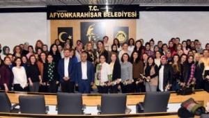 Başkan Zeybek Kadın Personelini Unutmadı
