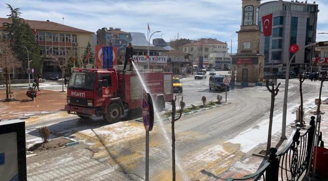 Emirdağ Belediyesi Virüsle canla başla mücadele ediyor