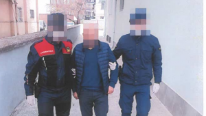 Son dakika…..Afyonkarahisar'da Otelin resepsiyonundan telefonu çalan hırsız yakalandı