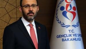 Bakan Kasapoğlu: Tüm Türkiye'yi milli sporcularımızla birlikte hareket etmeye davet ediyoruz