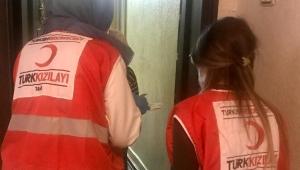 Türk Kızılay Afyonkarahisar İl Başkanlığı dışarı çıkamayan yaşlılara yardım devam ediyor