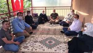 Ak Parti İlçe Başkanı Dayı Şehit Ailelerine Bayram Ziyaretinde Bulundu