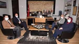 Akparti yöneticilerinden başkan Zeybek'e istişare ziyareti