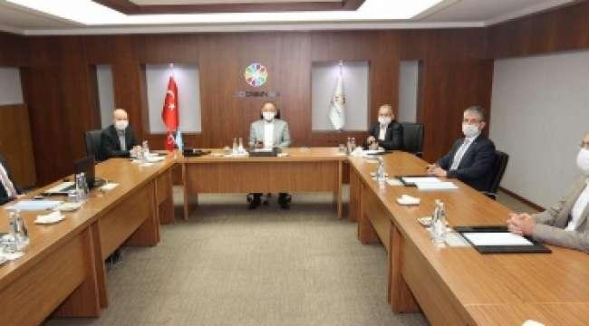 Akparti Genel Başkan Yardımcısı Özhaseki Kocasinan Belediyesi'ni ziyaret etti