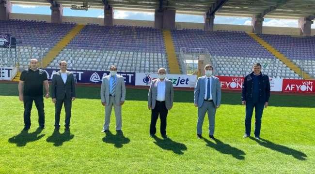 Başkan Zeybek futbol kulüplerine çağrıda bulundu