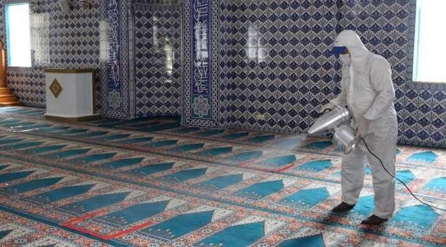 Çay'da Camilerde yeniden cemaatle ibadet hazırlığı