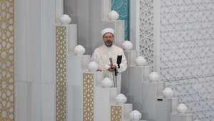 Diyanet İşleri Başkanı Erbaş, Ahmet Hamdi Akseki Camii'nde bayram hutbesi irad etti