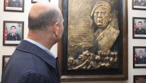 İçişleri Bakanı Soylu, Şırnak'ta Cudi Dağı eteklerindeki güvenlik kulelerinde incelemelerde bulundu