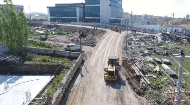 İscehisar Yeni Devlet Hastanesi Yolu Sıcak Asfalt Çalışmaları Başladı
