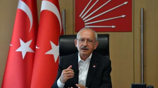 Kılıçdaroğlu'ndan Beşiktaş Başkanı Ahmet Nur Çebi'ye telefon: Liglerin başlatılması yanlış bir karardır, gözden geçirilmeli.