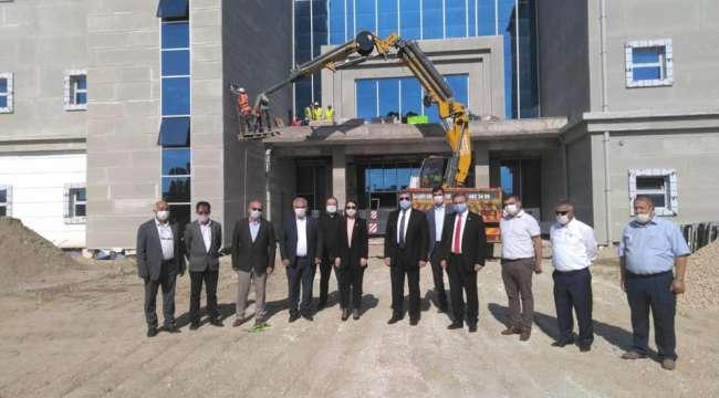 Akparti Milletvekili Özkaya : Sinanpaşa devlet hastanesi Eylül'de hizmete açılacak