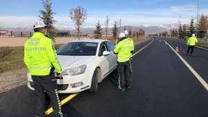 Trafik Işıklarını ihlal eden 9 bin dokuz yüz kişiye ceza yazıldı