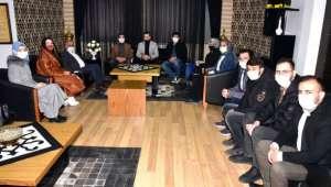 Akgençlik'ten başkan Zeybek'e ziyaret
