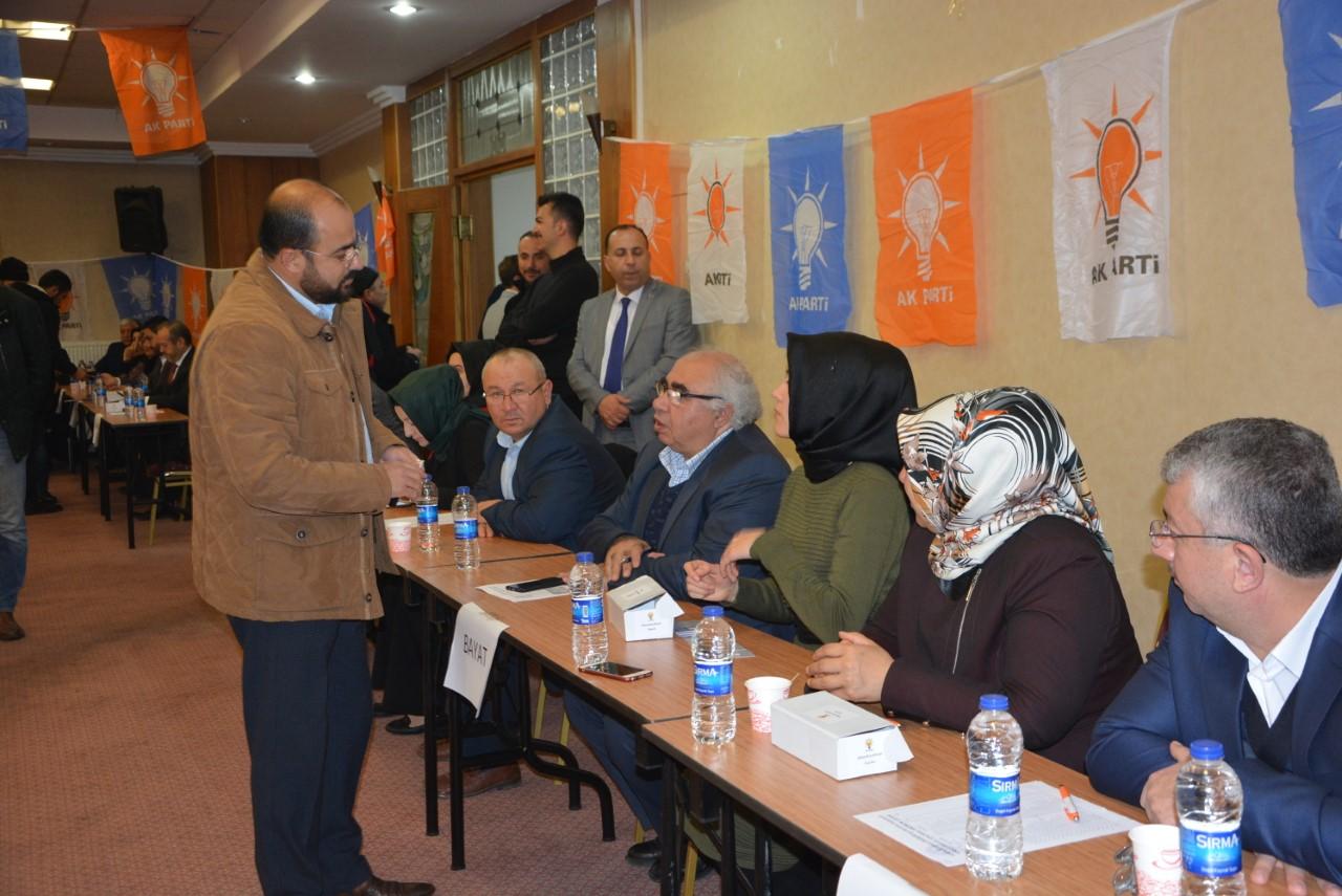 AK Part adaylarını e-temayülle delegelere sordu